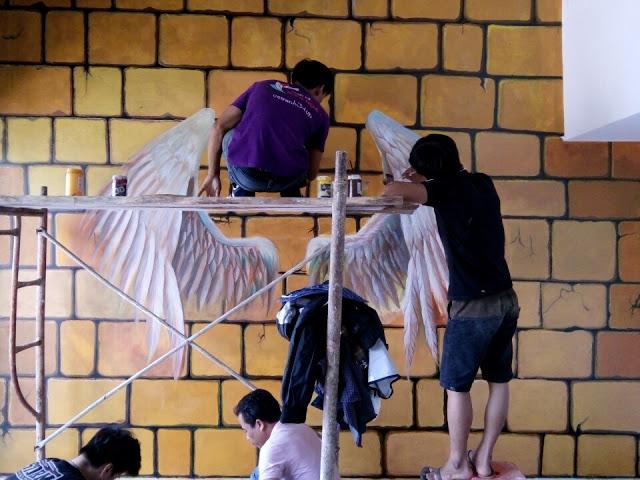 vẽ tranh tường cánh thiên thần